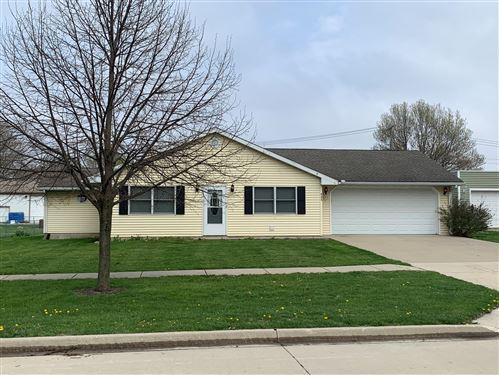 Photo of 405 S Walnut Street, Wenona, IL 61377 (MLS # 10763372)