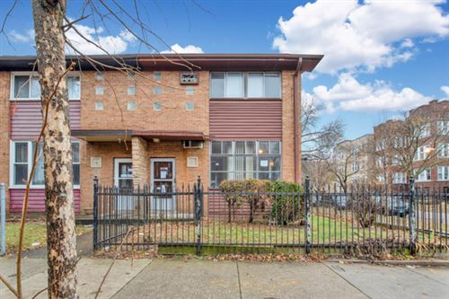 Photo of 7656 North Bosworth Avenue, Chicago, IL 60626 (MLS # 10590375)