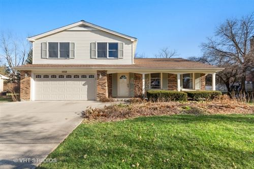 Photo of 1552 Chippewa Drive, Naperville, IL 60563 (MLS # 10609376)