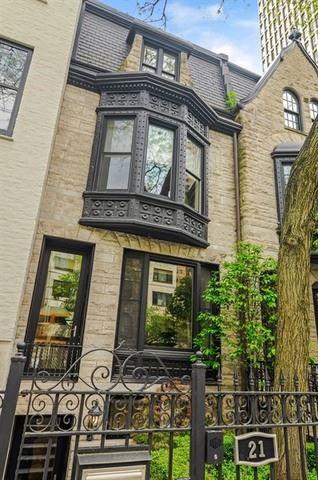 Photo of 21 E SCOTT Street, Chicago, IL 60610 (MLS # 11173379)
