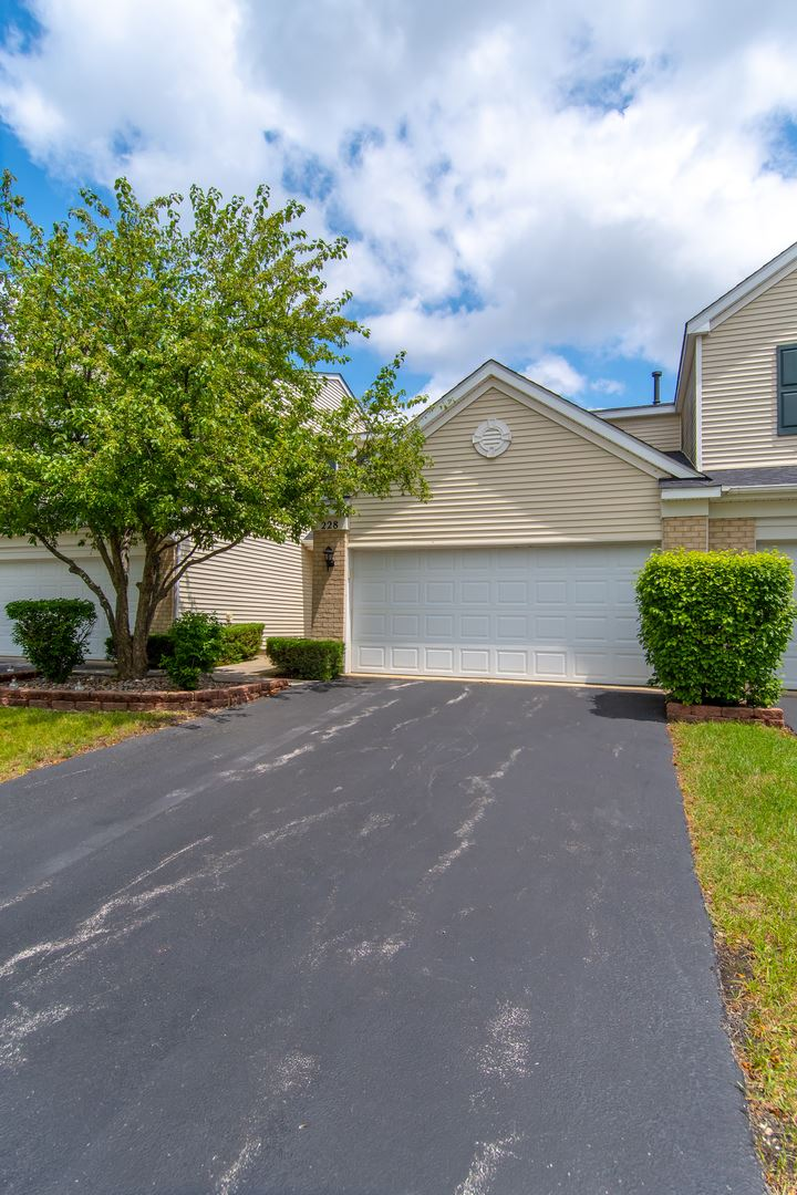 Photo of 228 Parkside Drive #228, Shorewood, IL 60404 (MLS # 11156380)