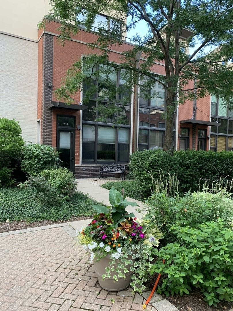 941 N HOWE Street, Chicago, IL 60610 - #: 10772381