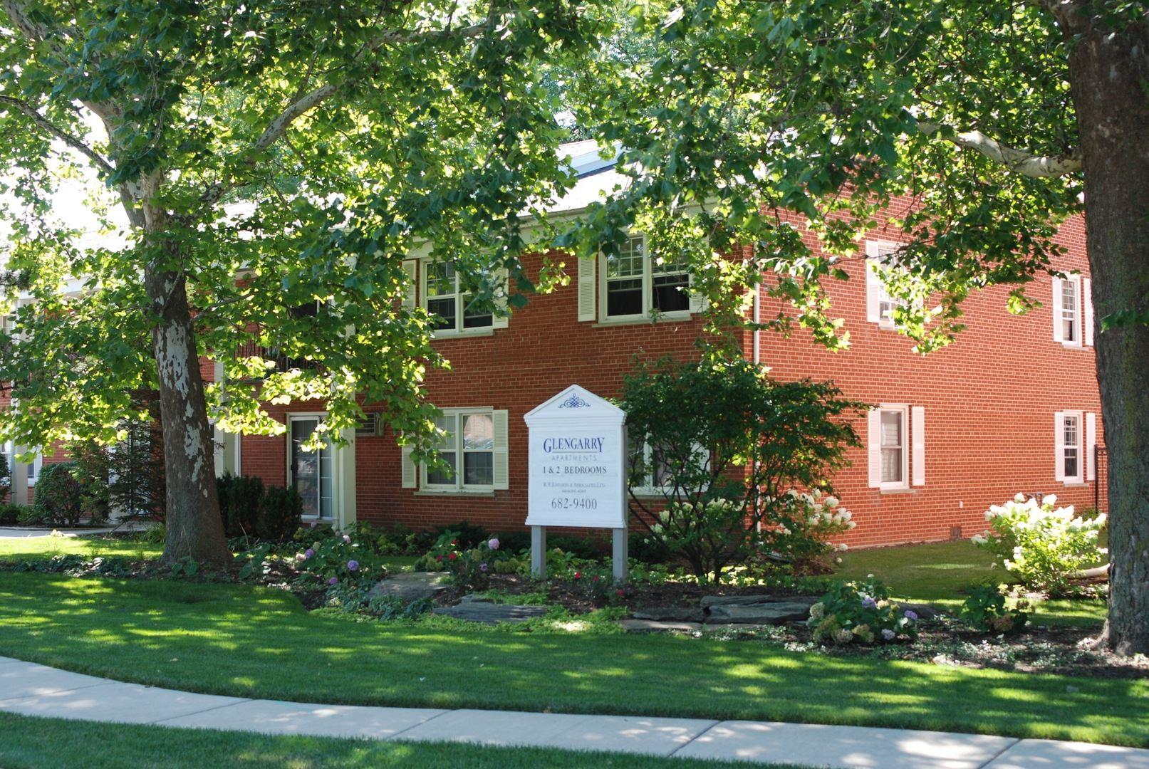 Photo of 785 Pershing Avenue #4-B, Glen Ellyn, IL 60137 (MLS # 11122382)