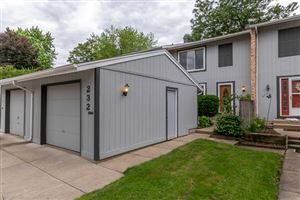 Photo of 232 Willow Lane, BLOOMINGDALE, IL 60108 (MLS # 10293383)