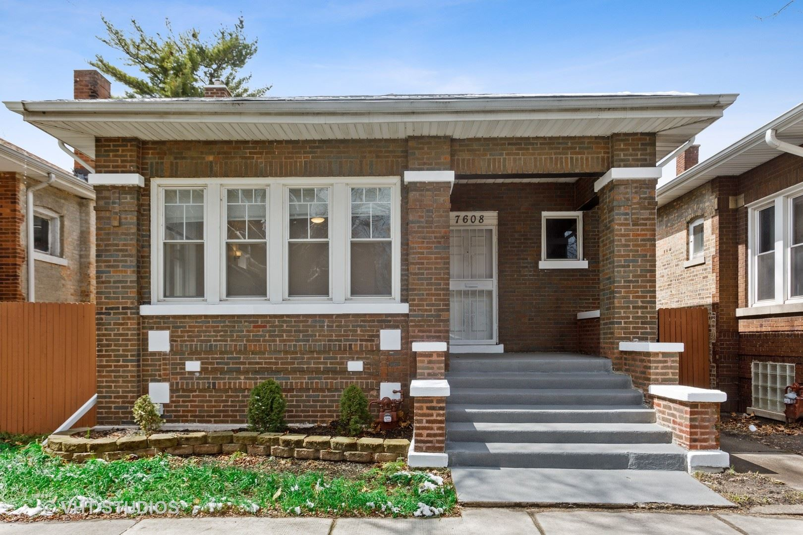 7608 S East End Avenue, Chicago, IL 60649 - #: 10689384
