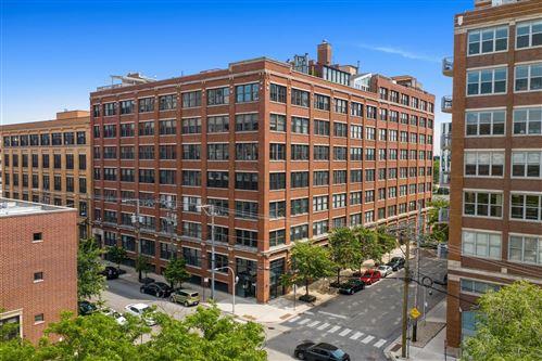 Photo of 913 W Van Buren Street #4H, Chicago, IL 60607 (MLS # 11118385)