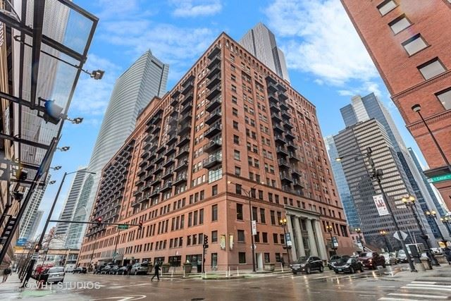 Photo for 165 N CANAL Street #616, Chicago, IL 60606 (MLS # 10860385)