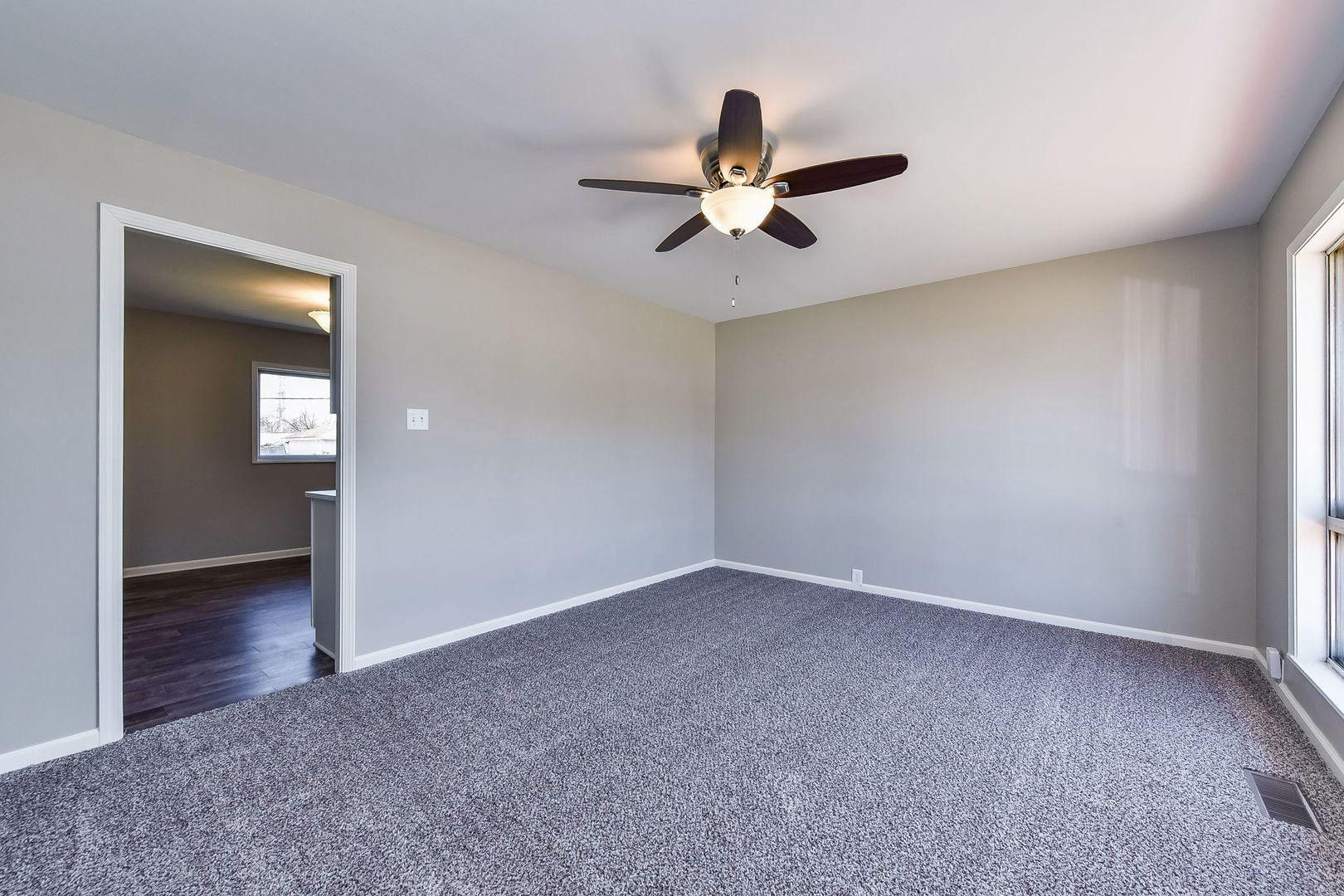 Photo of 553 Belmont Drive, Romeoville, IL 60446 (MLS # 11024385)
