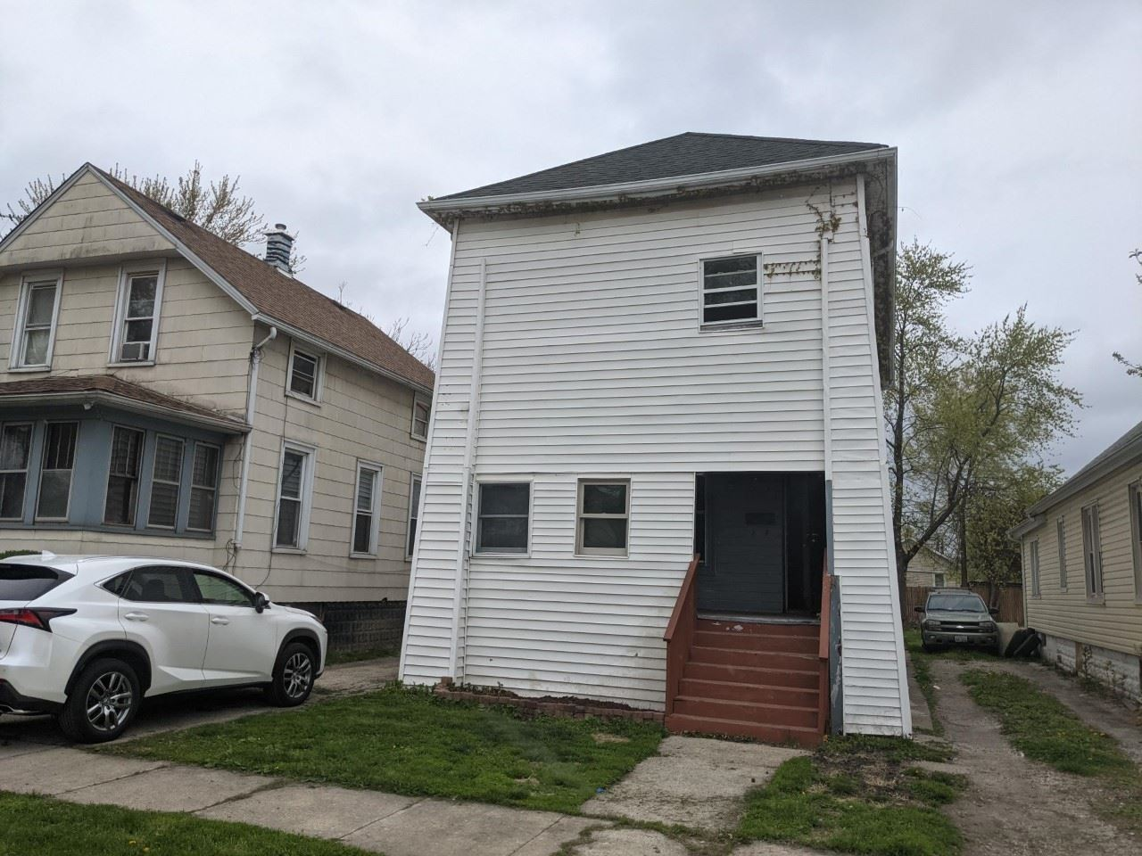 Photo of 109 E Webster Street, Joliet, IL 60432 (MLS # 11058387)