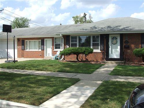 Photo of 902 Sherwood Road, La Grange Park, IL 60526 (MLS # 11198388)