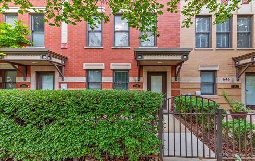 Photo of 648 W Oak Street, Chicago, IL 60610 (MLS # 11201388)