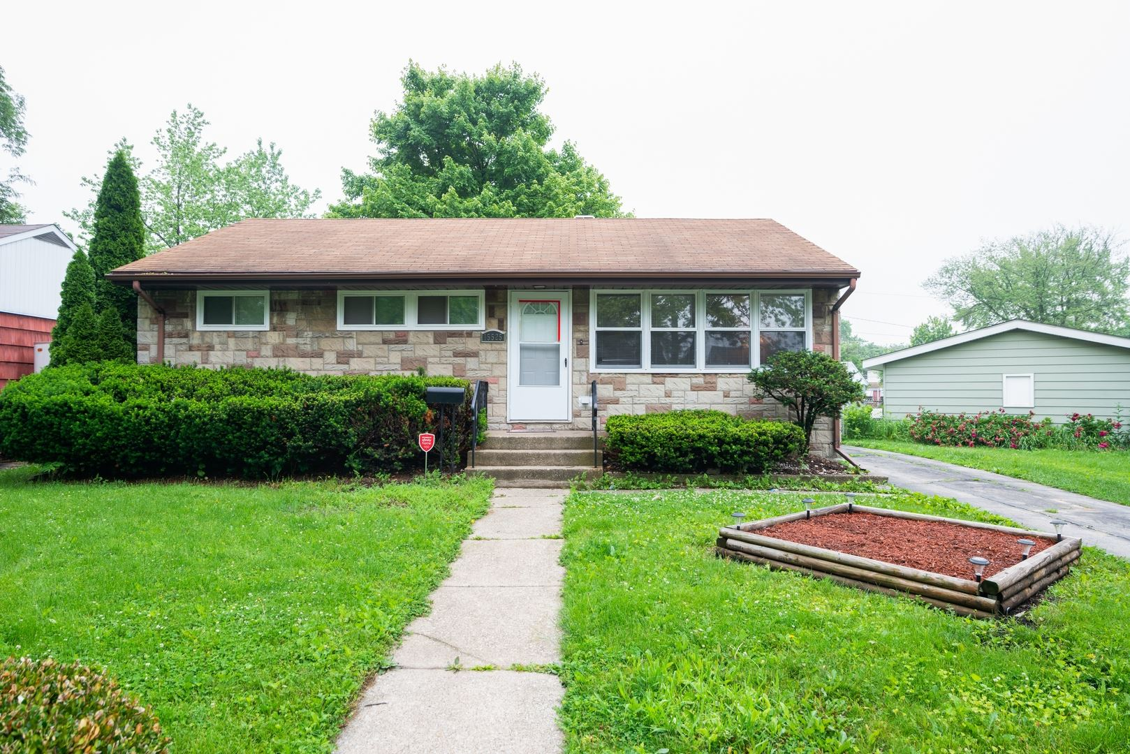 15525 Maple Street, South Holland, IL 60473 - #: 10670389