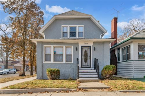 Photo of 7658 South Oglesby Avenue, Chicago, IL 60649 (MLS # 10584391)