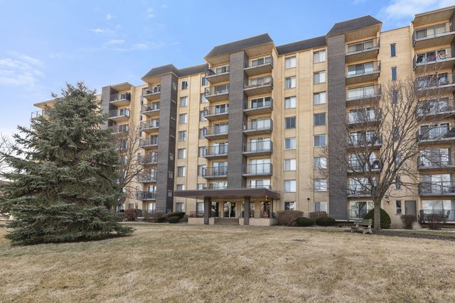 5400 Walnut Avenue #204, Downers Grove, IL 60515 - #: 10600391