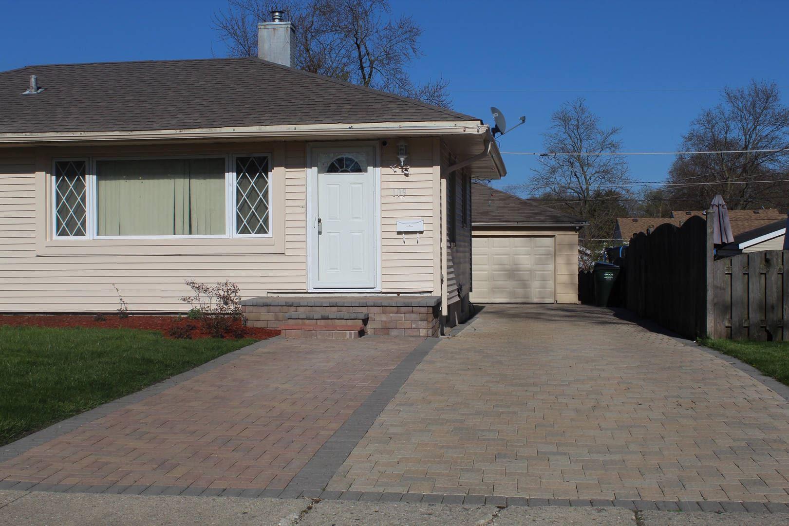 109 N Ridgemoor Avenue, Mundelein, IL 60060 - #: 10759391