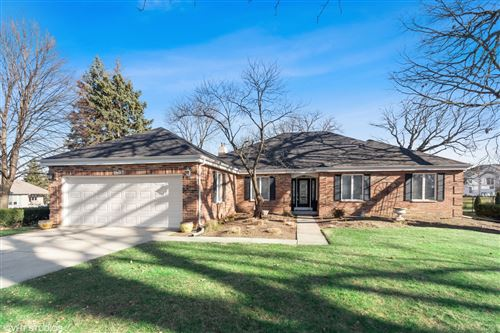 Photo for 1632 Fox Bend Court, Naperville, IL 60563 (MLS # 10918393)