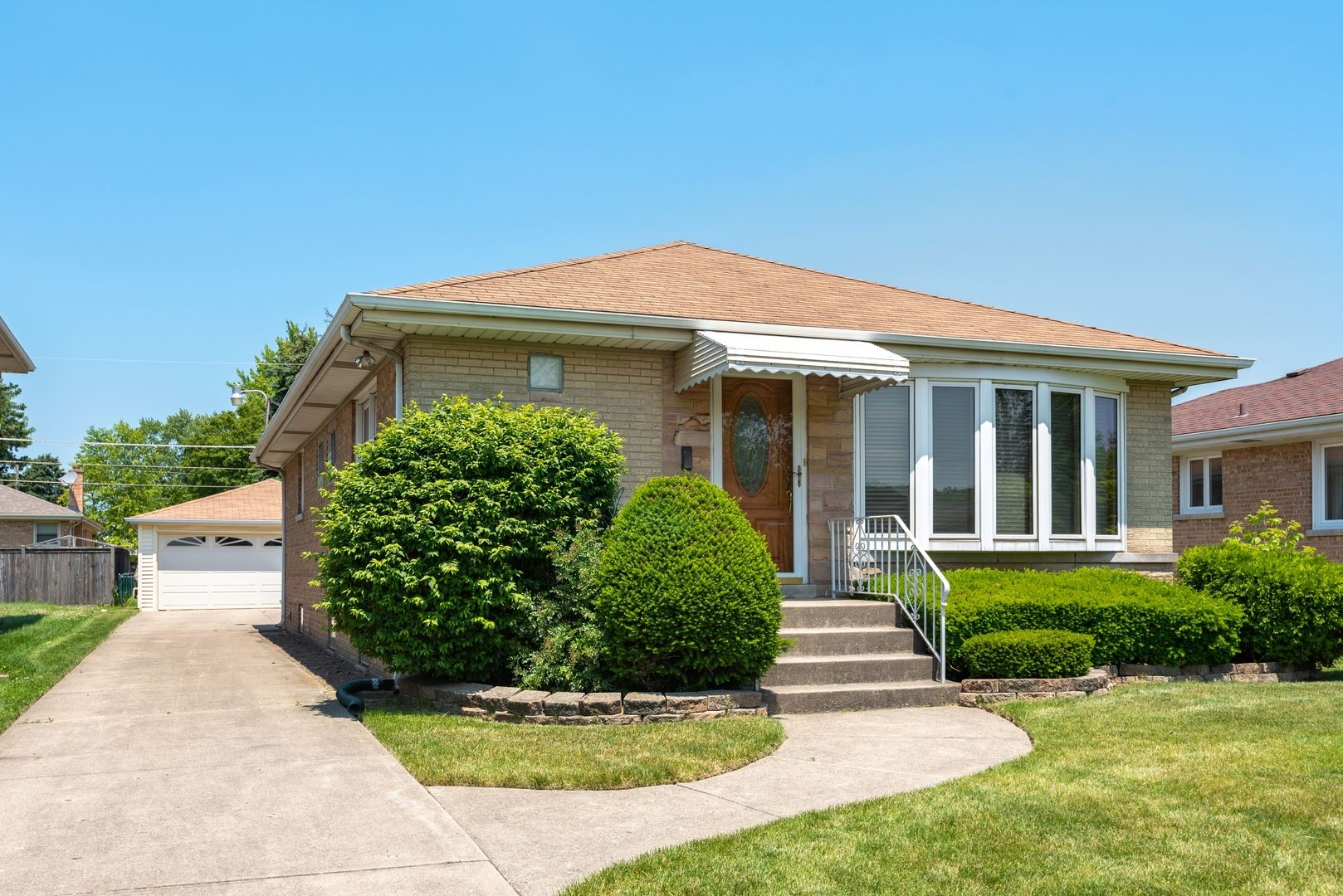 5712 Reba Street, Morton Grove, IL 60053 - #: 10715393