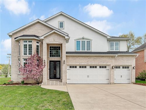 Photo of 366 Coralynn Court, Willowbrook, IL 60527 (MLS # 10731395)