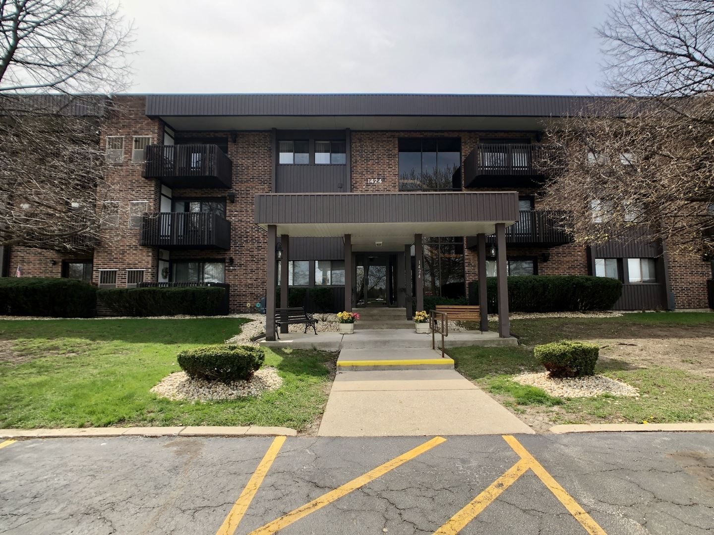 Photo of 1424 Woodbridge Road #2D, Joliet, IL 60436 (MLS # 11057396)