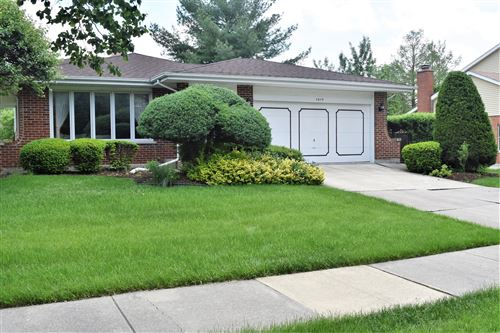 Photo of 1819 Concord Drive, Downers Grove, IL 60516 (MLS # 10728397)