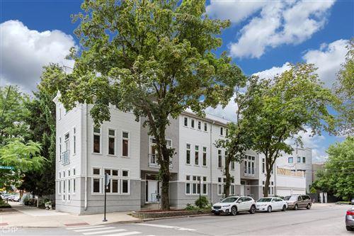 Photo of 1403 W Wolfram Street, Chicago, IL 60657 (MLS # 10791399)