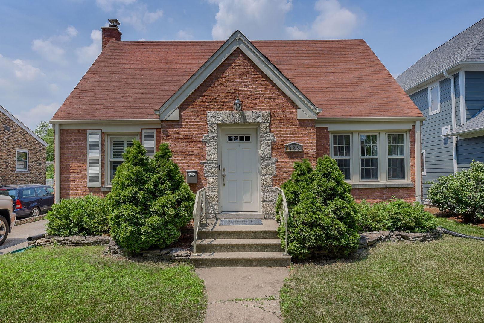 682 S Hillside Avenue, Elmhurst, IL 60126 - #: 10797399