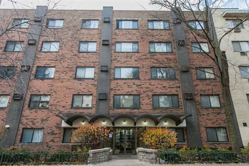 Photo of 431 W Barry Avenue #330, Chicago, IL 60657 (MLS # 10813401)