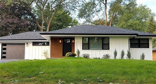 Photo of 252 Ann Street, Clarendon Hills, IL 60514 (MLS # 11220403)