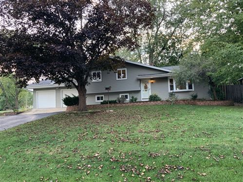 Photo of 5606 S Pershing Avenue, Downers Grove, IL 60516 (MLS # 10906404)