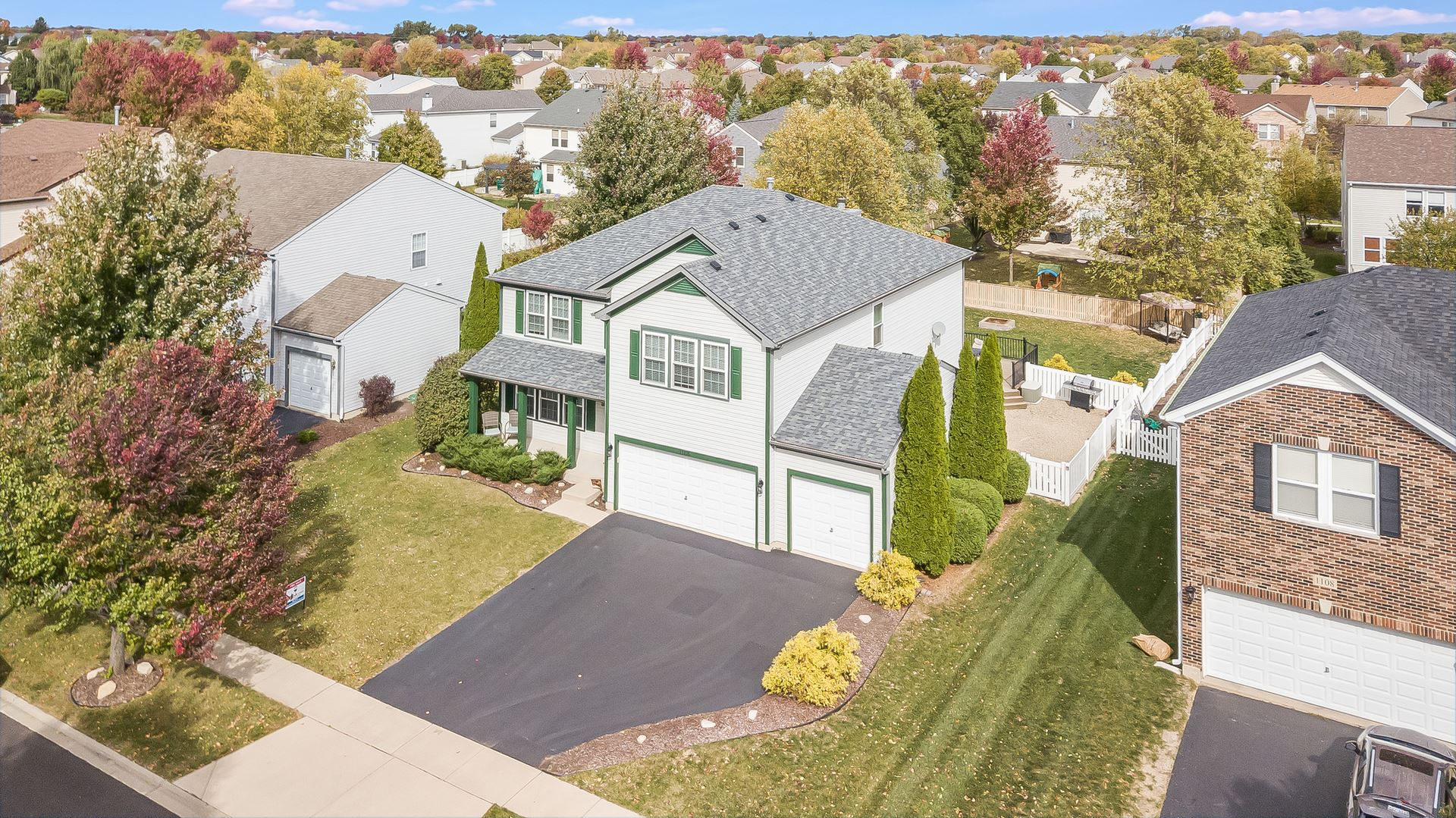 Photo of 1106 Butterfield Circle W, Shorewood, IL 60404 (MLS # 10890405)