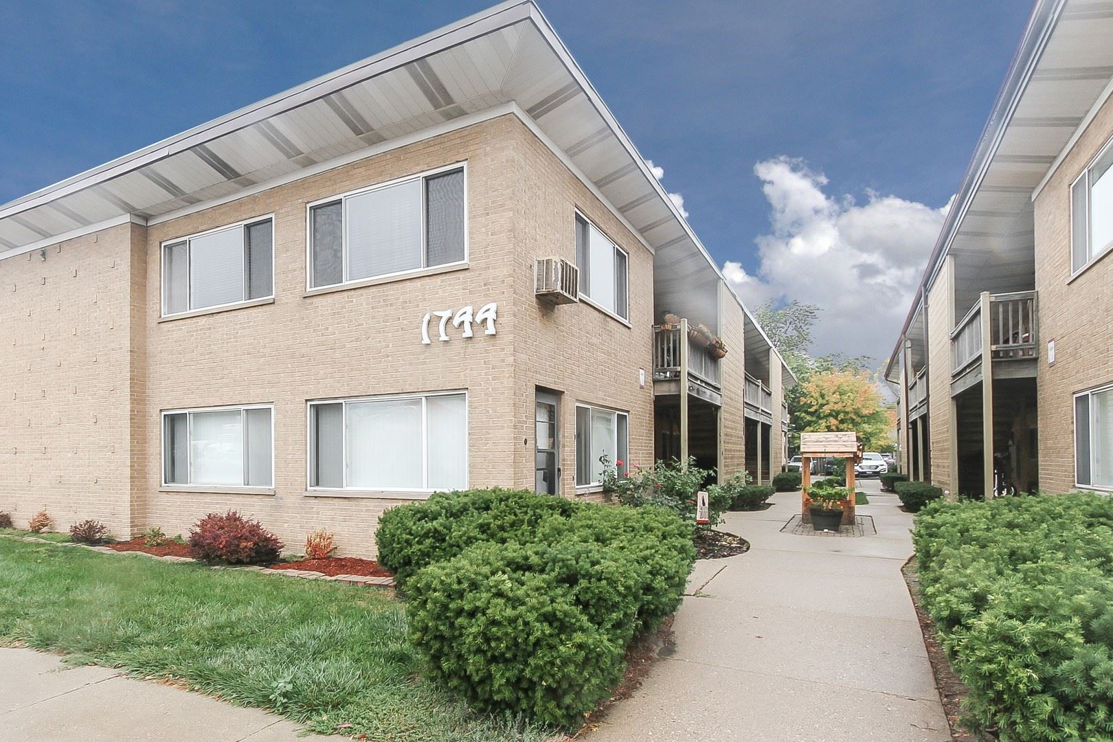 1744 E Oakton Street #105-P3, Des Plaines, IL 60018 - #: 11101406