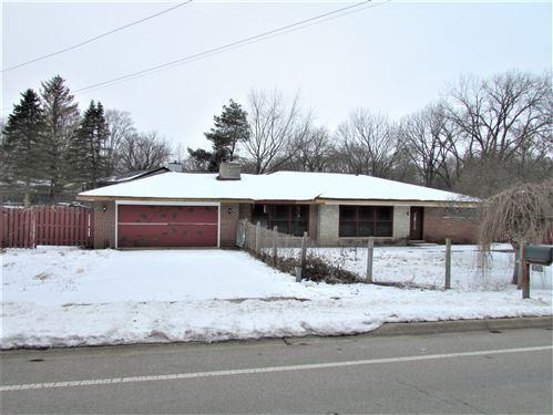 Photo of 6405 W Rawson Bridge Road, Cary, IL 60013 (MLS # 10972410)