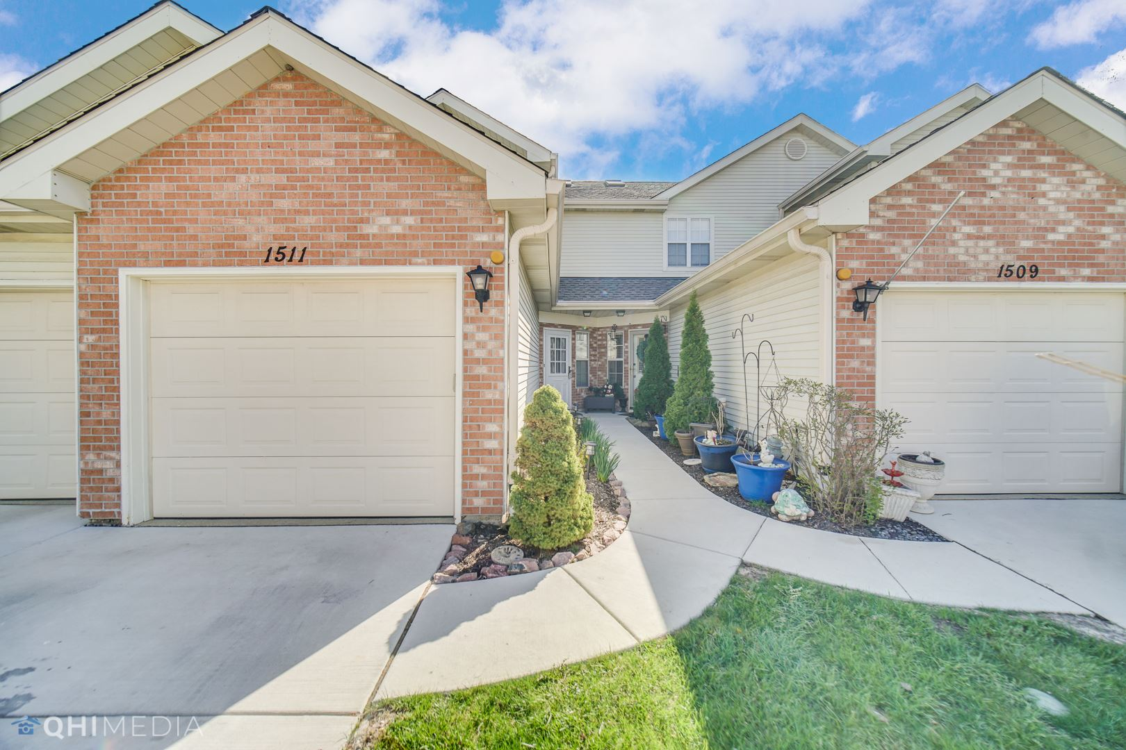 1511 Golfview Court #1511, Glendale Heights, IL 60139 - #: 11210410