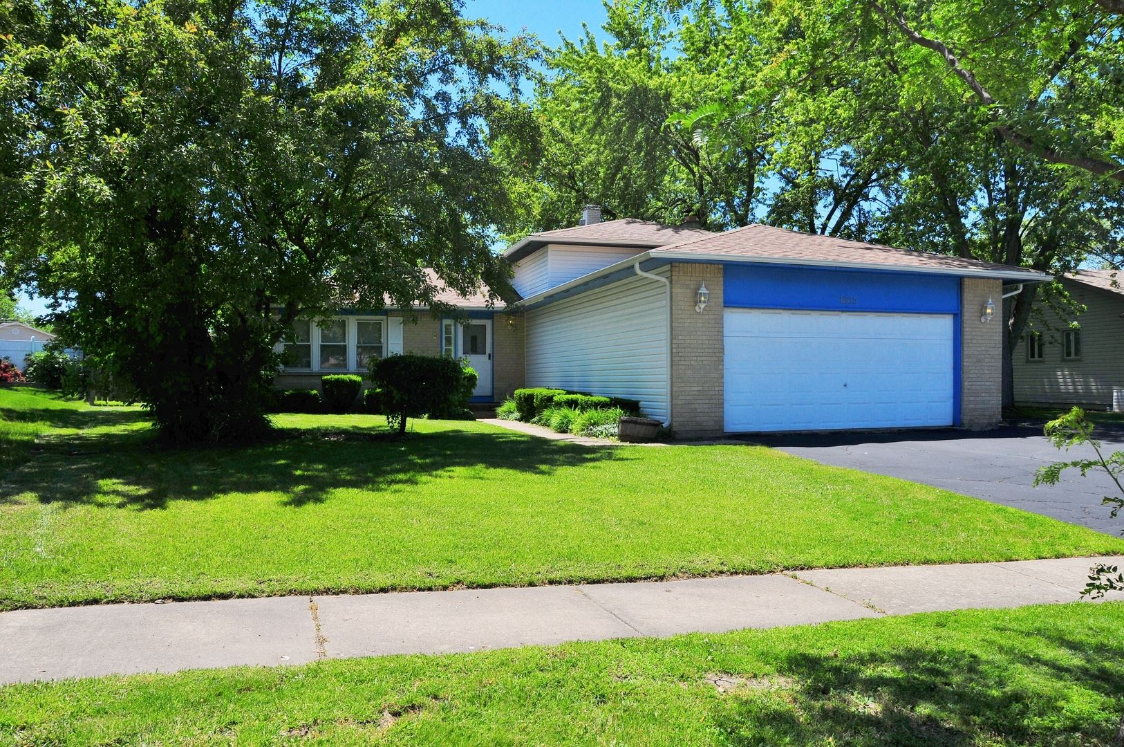 1663 Iowa Drive, Elk Grove Village, IL 60007 - #: 10751411
