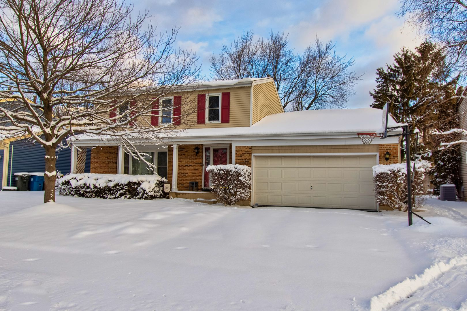 77 W End Road, Roselle, IL 60172 - #: 10973412
