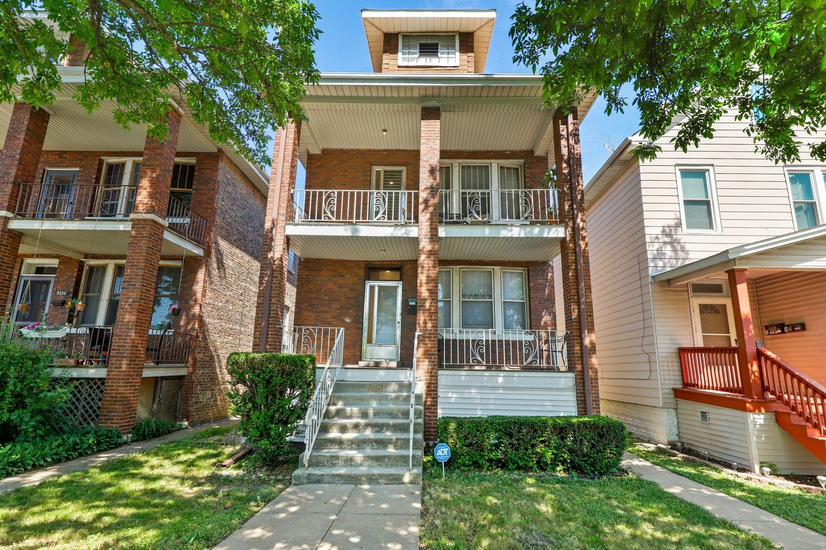 5321 S Lockwood Avenue, Chicago, IL 60638 - #: 10738421