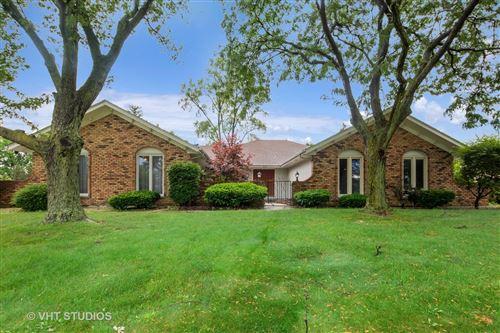 Photo of 52 Kingston Drive, Oak Brook, IL 60523 (MLS # 10572422)