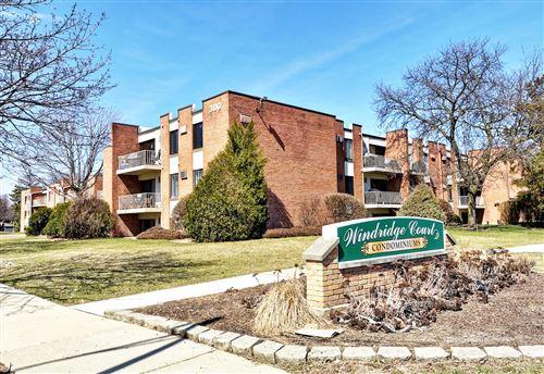 Photo of 300 W Fullerton Avenue #322, Addison, IL 60101 (MLS # 11049425)