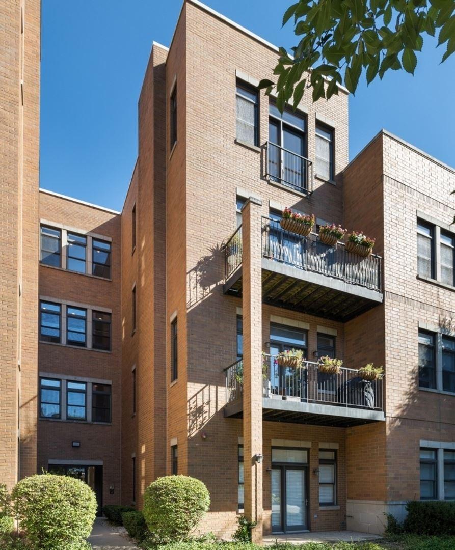 Photo for 819 Foster Street #3S, Evanston, IL 60201 (MLS # 10850426)