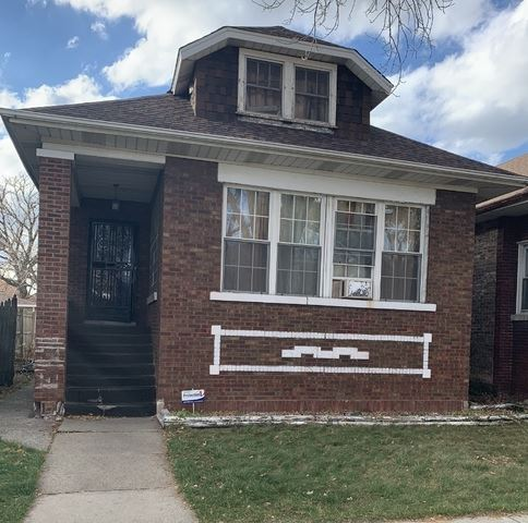 Photo for 1426 N Long Avenue, Chicago, IL 60651 (MLS # 10970426)