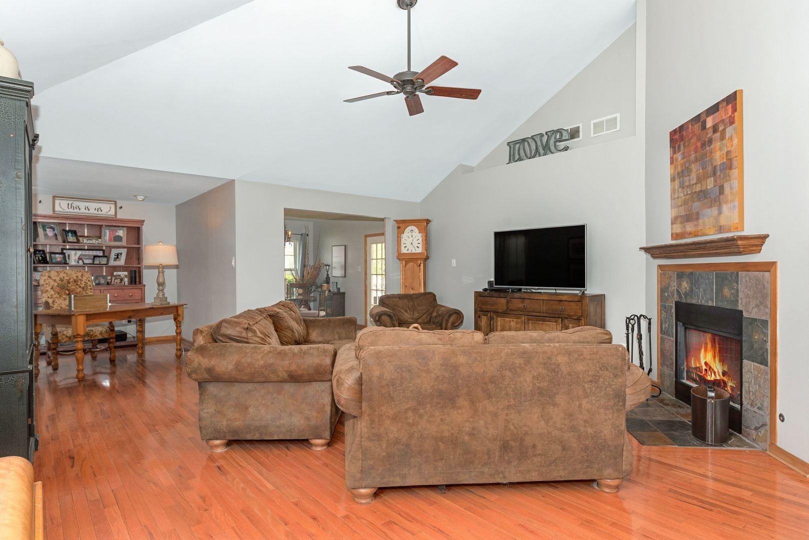 Photo of 24521 States Lane, Shorewood, IL 60404 (MLS # 11063427)