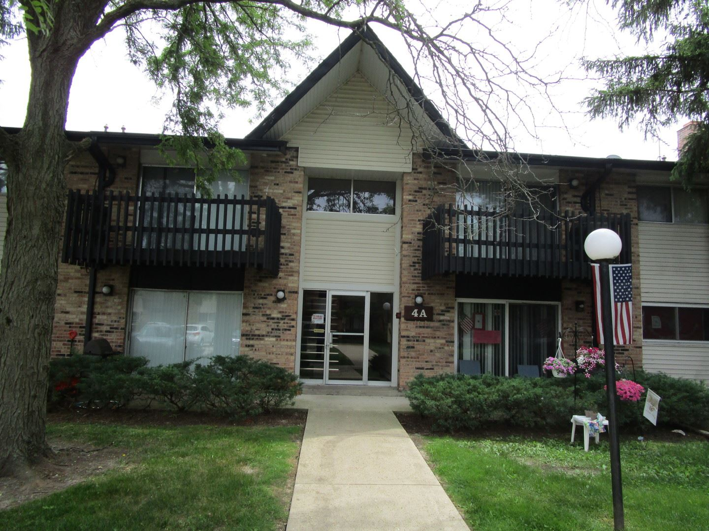 4A KINGERY QUARTER #203, Willowbrook, IL 60527 - #: 10737431