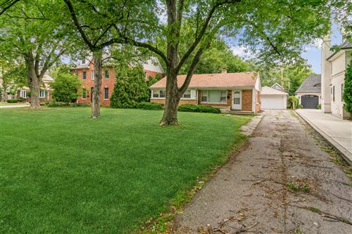 Photo of 609 N County Line Road, Hinsdale, IL 60521 (MLS # 11197432)