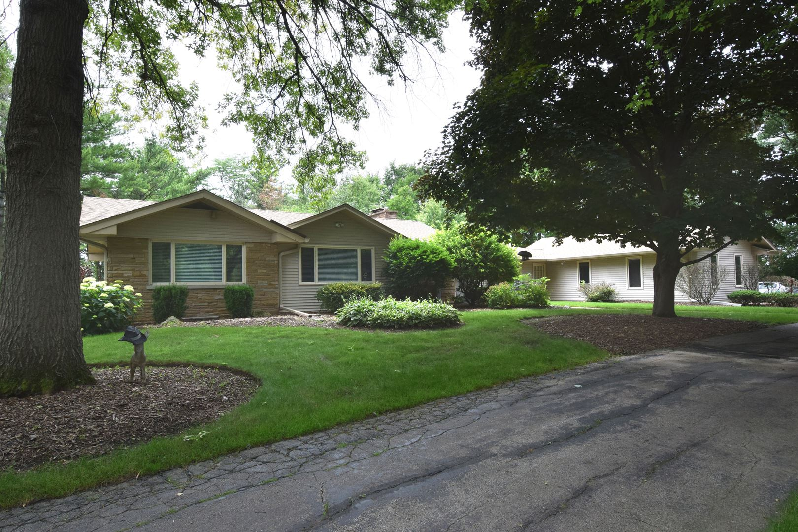 28W541 Purnell Road, West Chicago, IL 60185 - #: 11000432