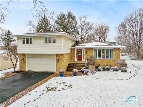 Photo of 3724 Downers Drive, Downers Grove, IL 60515 (MLS # 10976434)