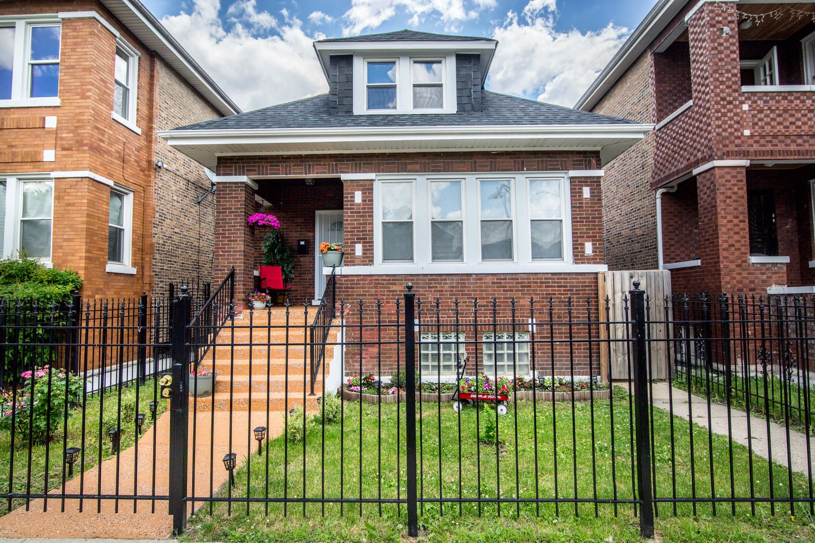 7013 S Maplewood Avenue, Chicago, IL 60629 - #: 10765434