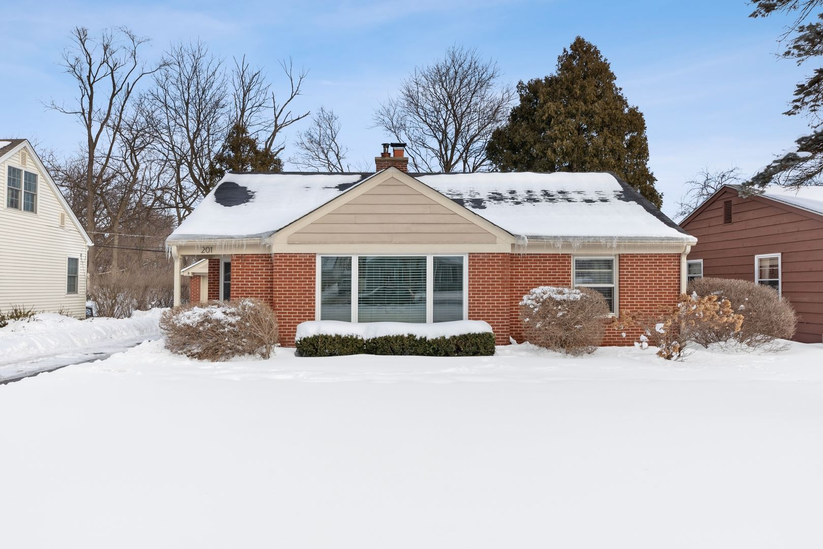 201 Ridge Avenue, Crystal Lake, IL 60014 - #: 10987435