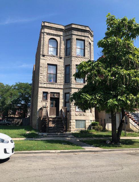 Photo for 3836 W Lexington Street #2, Chicago, IL 60624 (MLS # 11213436)