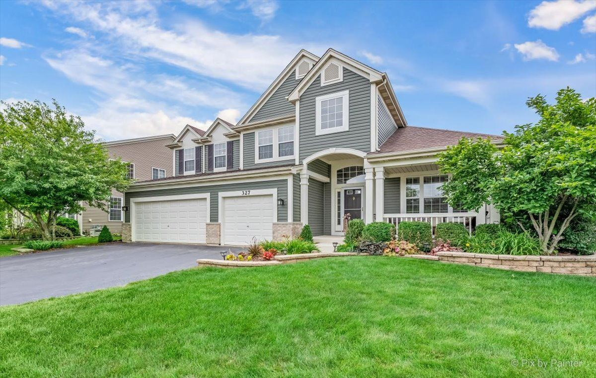 327 Sterling Circle, Cary, IL 60013 - #: 11090438