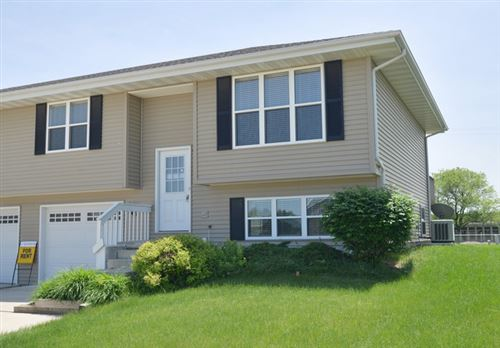 Photo of 1111 Sunridge Drive, Ottawa, IL 61350 (MLS # 11001439)